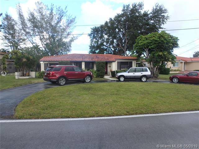 6062 N Waterway Dr, Miami, FL 33155 (MLS #A10675408) :: The Paiz Group