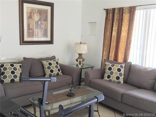 1311 NE 43 Ct, Pompano Beach, FL 33064 (MLS #A10675475) :: RE/MAX Presidential Real Estate Group
