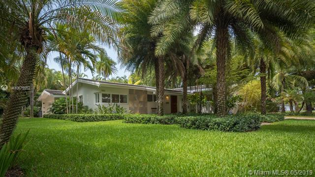 1000 S Alhambra Cir, Coral Gables, FL 33146 (MLS #A10675552) :: Prestige Realty Group