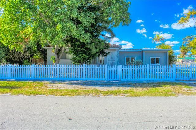 1298 NE 162 St, North Miami Beach, FL 33162 (MLS #A10675596) :: The Paiz Group