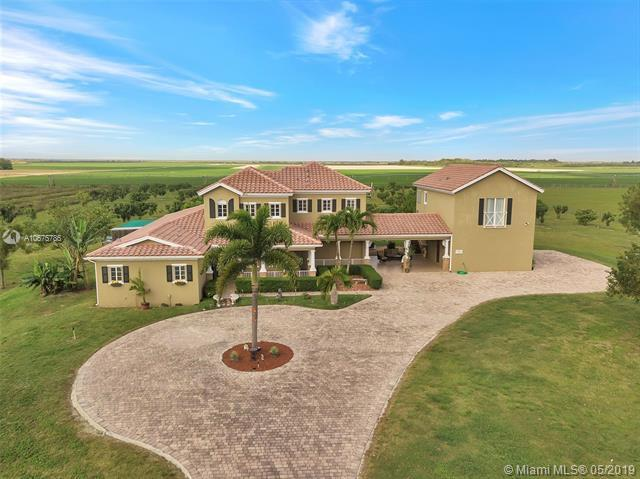 35850 SW 218th Ave, Homestead, FL 33034 (MLS #A10675786) :: RE/MAX Presidential Real Estate Group