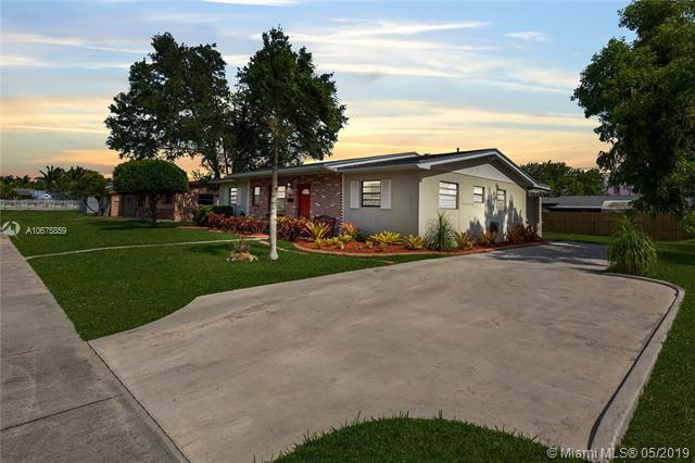 15420 SW 297th St, Homestead, FL 33033 (MLS #A10675859) :: The Riley Smith Group