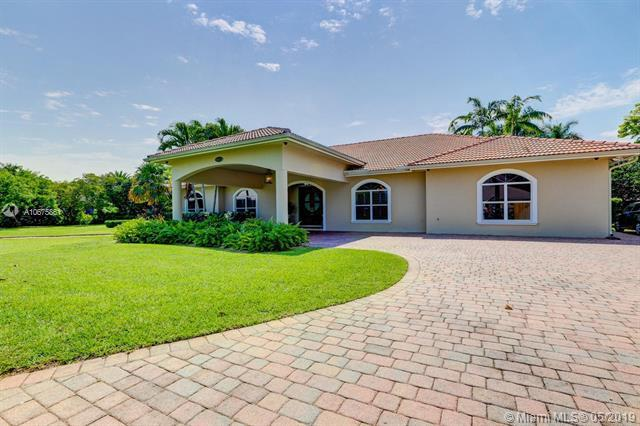 29281 SW 181st Ave, Homestead, FL 33030 (MLS #A10675861) :: Prestige Realty Group
