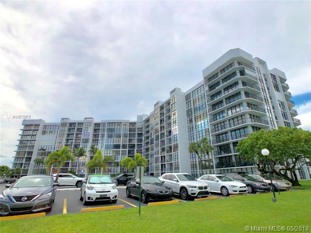 800 Parkview Dr #616, Hallandale, FL 33009 (MLS #A10675913) :: The Paiz Group