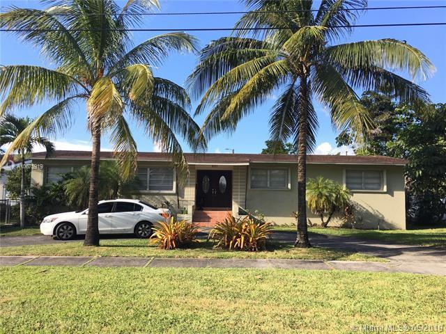 831 Bluebird Ave, Miami Springs, FL 33166 (MLS #A10675919) :: Grove Properties