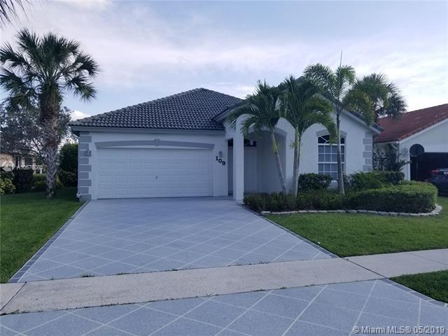 109 Derby Ln, Royal Palm Beach, FL 33411 (MLS #A10676063) :: The Paiz Group