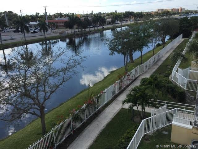 2052 NE 167th St 3-123, North Miami Beach, FL 33162 (MLS #A10676076) :: The Paiz Group