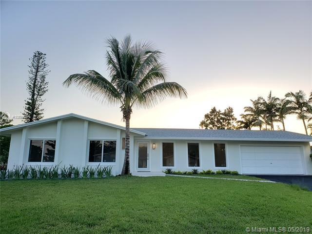 12522 SW 107th Ct, Miami, FL 33176 (MLS #A10676091) :: The Riley Smith Group