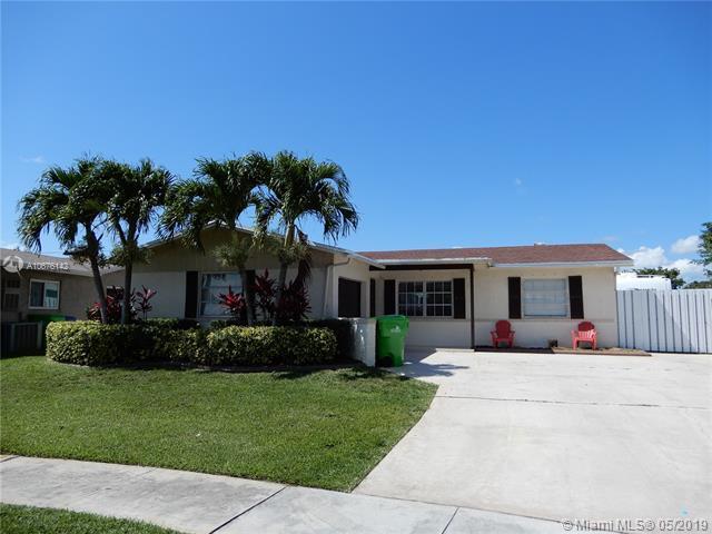 11311 NW 39th Pl, Sunrise, FL 33323 (MLS #A10676142) :: Grove Properties