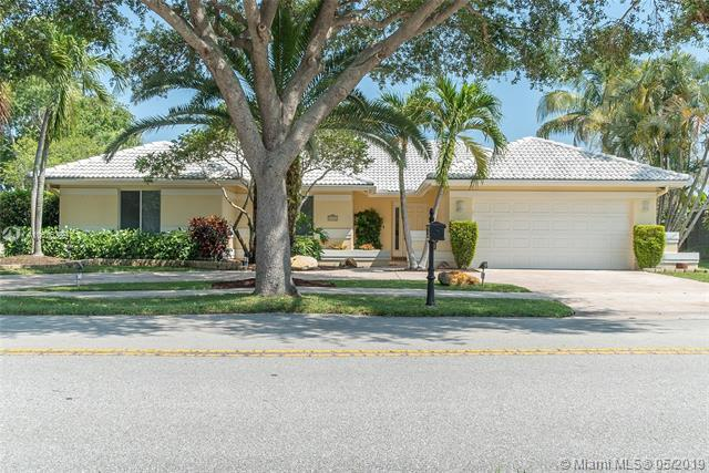 9185 Old Orchard Rd, Davie, FL 33328 (MLS #A10676289) :: The Paiz Group