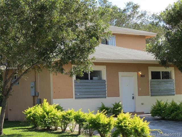 905 SW 8th Pl, Florida City, FL 33034 (MLS #A10676305) :: RE/MAX Presidential Real Estate Group
