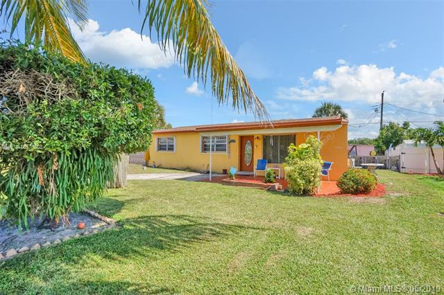 2740 NW 25th St, Fort Lauderdale, FL 33311 (#A10676328) :: Atlantic Shores