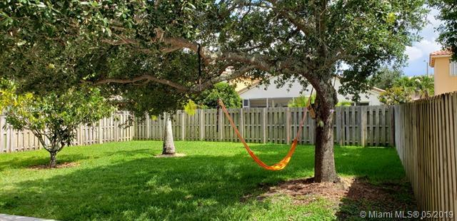 16768 NW 12th Ct, Pembroke Pines, FL 33028 (MLS #A10676464) :: The Riley Smith Group