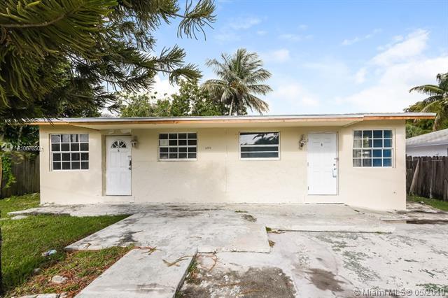 606 Phippen Rd, Dania Beach, FL 33004 (MLS #A10676501) :: RE/MAX Presidential Real Estate Group