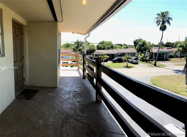 3030 NW 43rd Ter #207, Lauderdale Lakes, FL 33313 (MLS #A10676574) :: The Riley Smith Group