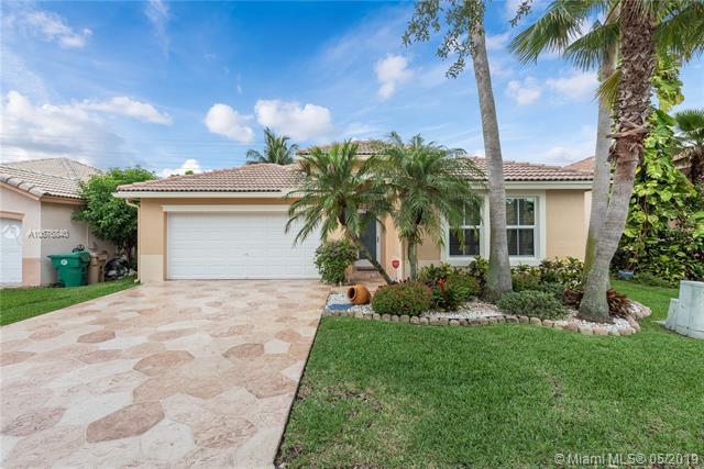 376 E Royal Cove Cir, Davie, FL 33325 (MLS #A10676840) :: Green Realty Properties