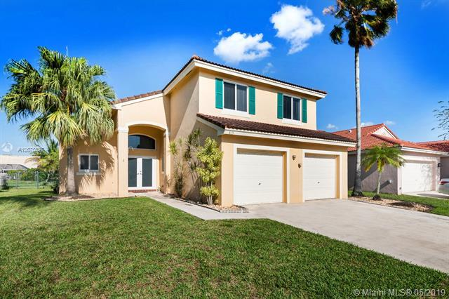 815 NW 165th Ave, Pembroke Pines, FL 33028 (MLS #A10676897) :: RE/MAX Presidential Real Estate Group