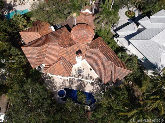 272 Veleros Ct, Coral Gables, FL 33143 (MLS #A10676952) :: Grove Properties