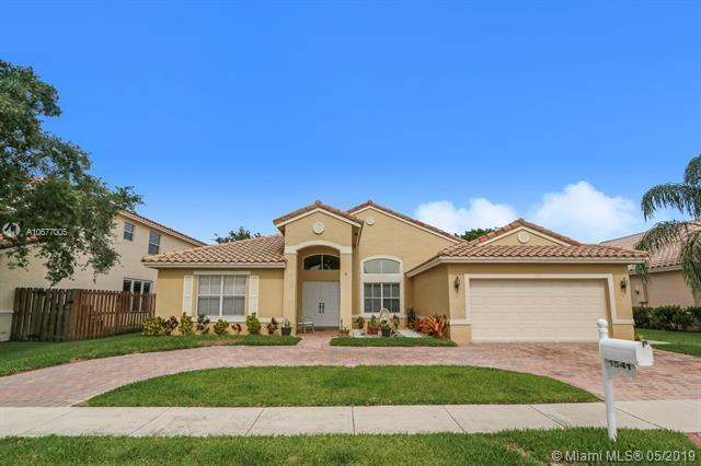 1541 SW 190th Ave, Pembroke Pines, FL 33029 (MLS #A10677005) :: Grove Properties
