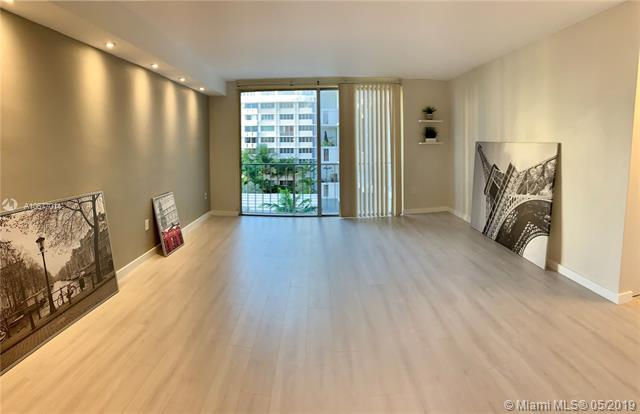 800 West Ave #637, Miami Beach, FL 33139 (MLS #A10677014) :: Green Realty Properties