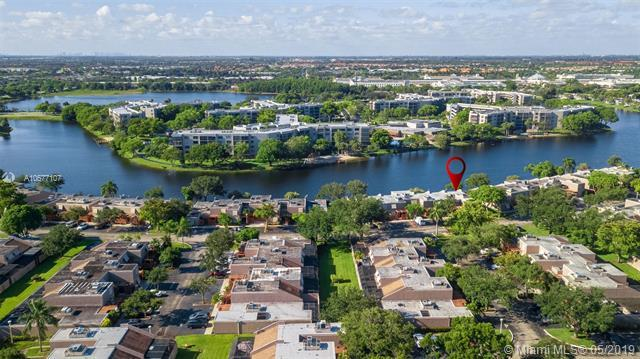 11280 NW 14th Ct, Pembroke Pines, FL 33026 (MLS #A10677107) :: Green Realty Properties