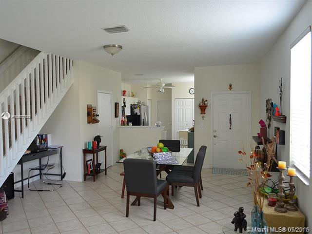 2087 Pasa Verde Ln, Weston, FL 33327 (MLS #A10677150) :: Green Realty Properties