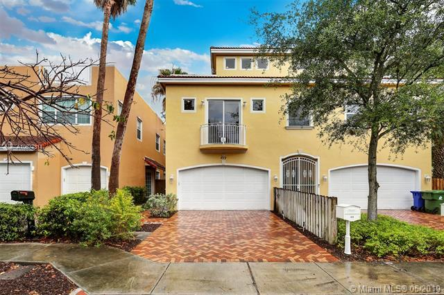 409 SW 5th St, Fort Lauderdale, FL 33315 (MLS #A10677314) :: RE/MAX Presidential Real Estate Group