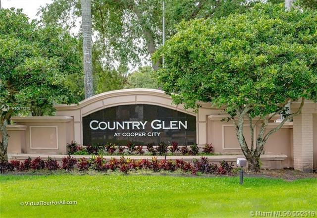 12660 Countryside, Cooper City, FL 33330 (MLS #A10677378) :: Green Realty Properties