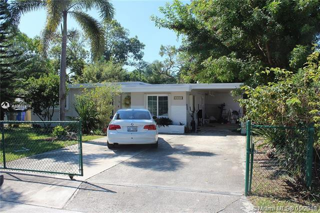 6308 Arthur St, Hollywood, FL 33024 (MLS #A10677414) :: RE/MAX Presidential Real Estate Group