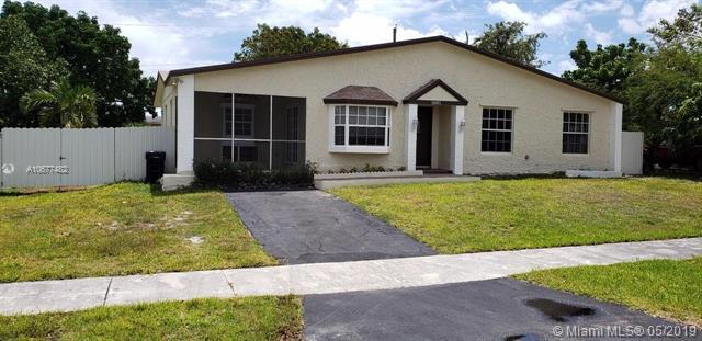 15921 SW 106th Ave, Miami, FL 33157 (MLS #A10677482) :: Castelli Real Estate Services