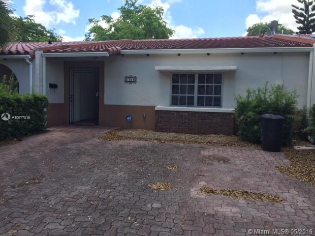 7328 Jacaranda Ln, Miami Lakes, FL 33014 (MLS #A10677515) :: EWM Realty International