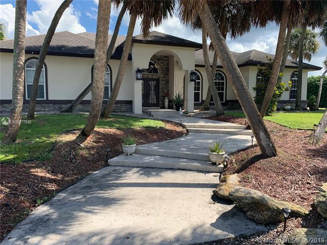 12254 N 70th Pl N, West Palm Beach, FL 33412 (MLS #A10677548) :: The Brickell Scoop