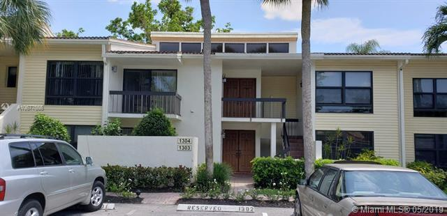 6748 Willow Wood Dr, Boca Raton, FL 33434 (MLS #A10677555) :: The Paiz Group