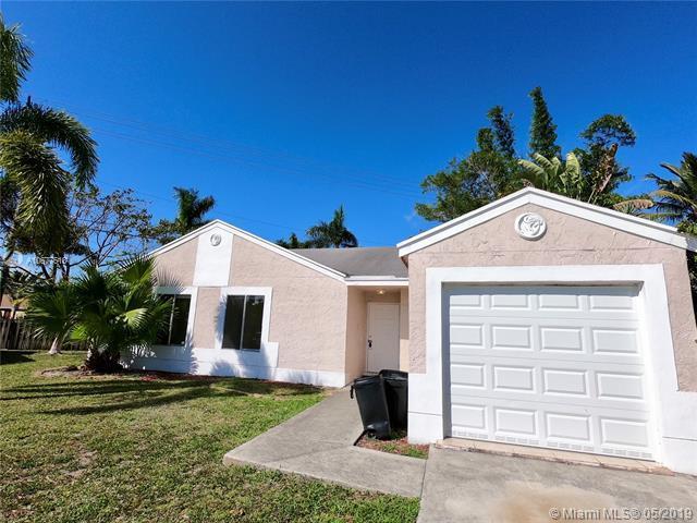 18766 Cloud Lake Cir, Boca Raton, FL 33496 (MLS #A10677618) :: Green Realty Properties