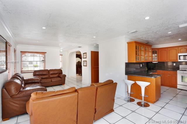 13873 SW 163rd St, Miami, FL 33177 (MLS #A10677675) :: Green Realty Properties