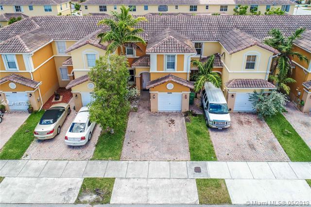 24470 SW 109th Pl, Homestead, FL 33032 (MLS #A10677925) :: Castelli Real Estate Services