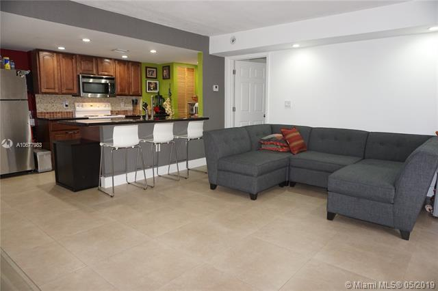 9365 Fontainebleau Blvd E101, Miami, FL 33172 (MLS #A10677983) :: RE/MAX Presidential Real Estate Group