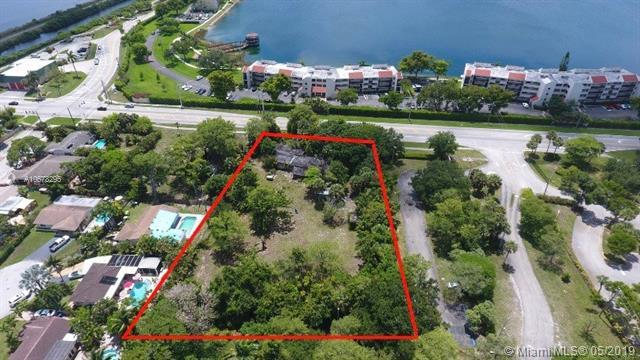 3960 NW 21st Ave, Oakland Park, FL 33309 (MLS #A10678295) :: The Paiz Group
