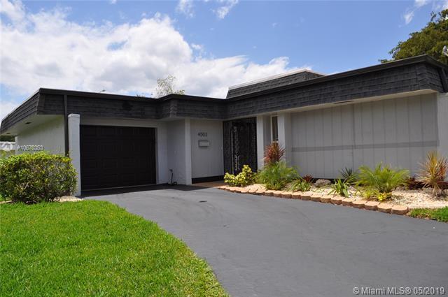 4503 King Palm Drive, Tamarac, FL 33319 (MLS #A10678353) :: Green Realty Properties