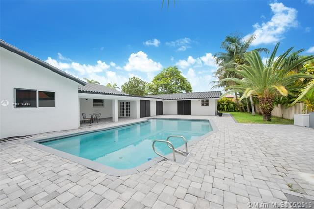 30 SW 132ND AVE, Miami, FL 33184 (MLS #A10678496) :: Lucido Global