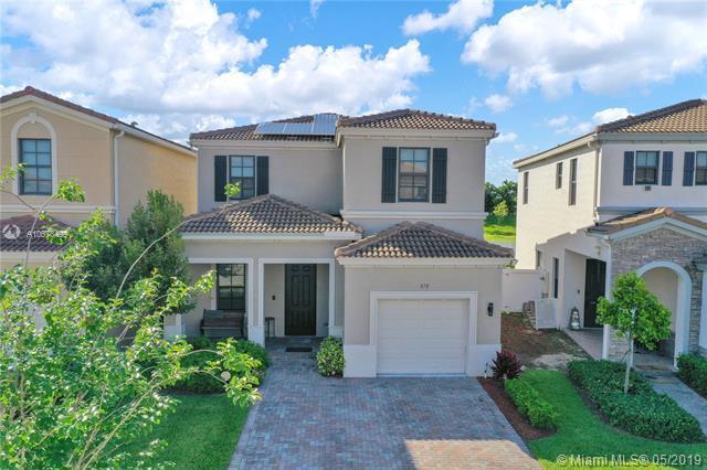 870 NE 191st St, Miami, FL 33179 (MLS #A10678499) :: The Maria Murdock Group