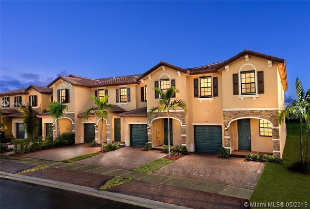 202 SE 33 TER #0, Homestead, FL 33033 (MLS #A10678542) :: Green Realty Properties