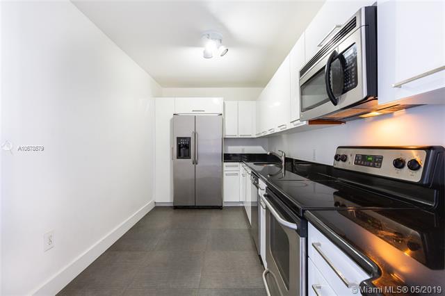 401 69th St #305, Miami Beach, FL 33141 (MLS #A10678579) :: Green Realty Properties