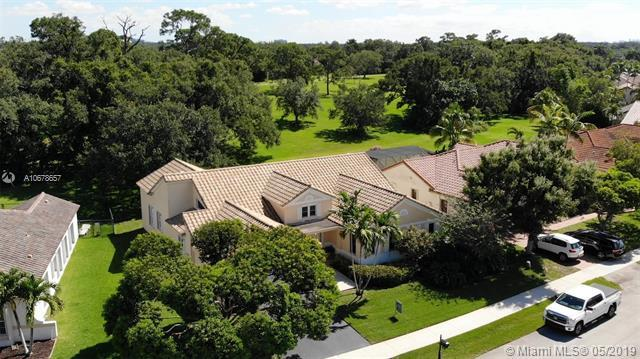 9261 N Southern Orchard Rd N, Davie, FL 33328 (MLS #A10678657) :: Green Realty Properties