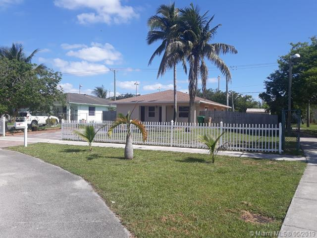 7605 NW 32nd Pl, Davie, FL 33024 (MLS #A10678724) :: RE/MAX Presidential Real Estate Group