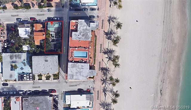 310 Oregon St, Hollywood, FL 33019 (MLS #A10678739) :: The Edge Group at Keller Williams