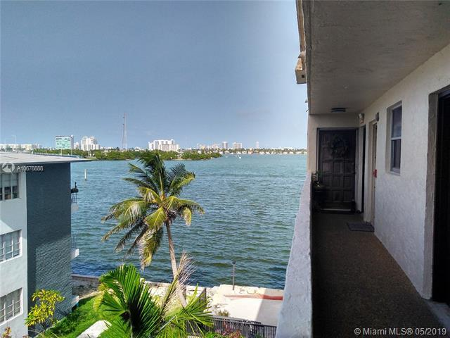 7795 NE Bayshore Ct #401, Miami, FL 33138 (MLS #A10678888) :: Berkshire Hathaway HomeServices EWM Realty