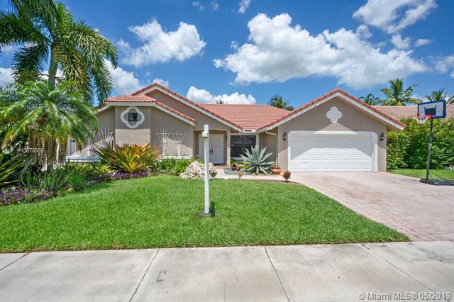 841 Somerset Ave, Davie, FL 33325 (MLS #A10678889) :: Green Realty Properties