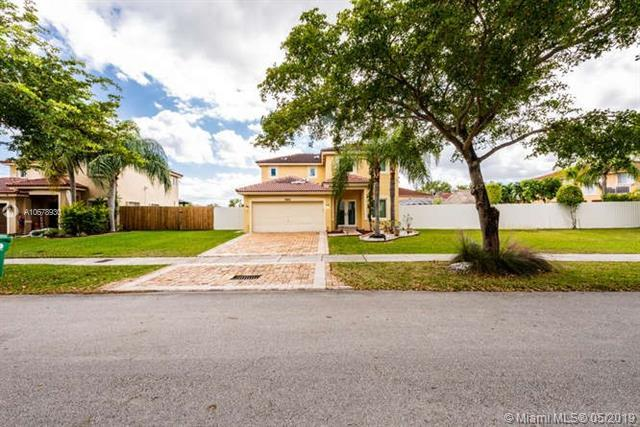 9110 SW 213th St, Cutler Bay, FL 33189 (MLS #A10678930) :: Green Realty Properties