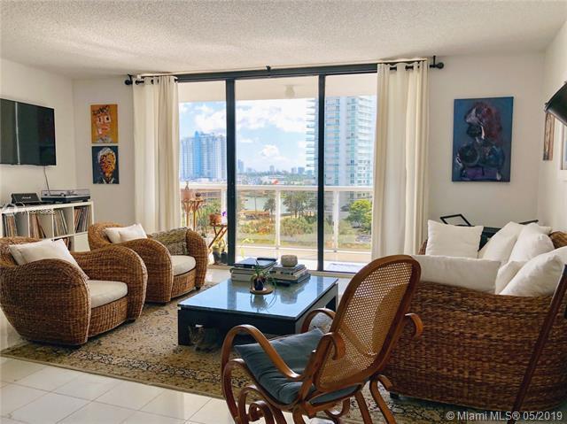 9 Island Ave #911, Miami Beach, FL 33139 (MLS #A10678968) :: Grove Properties